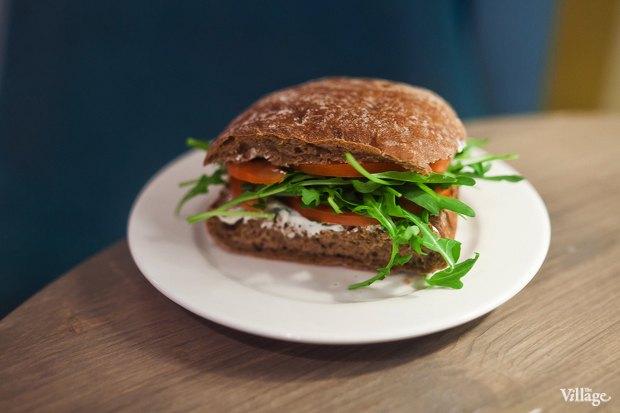Сэндвич с сыром и рукколой — 150 рублей. Изображение № 18.