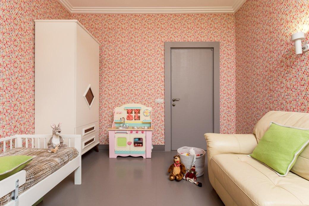 Квартира с яркими акцентами длябольшой семьи. Изображение № 3.