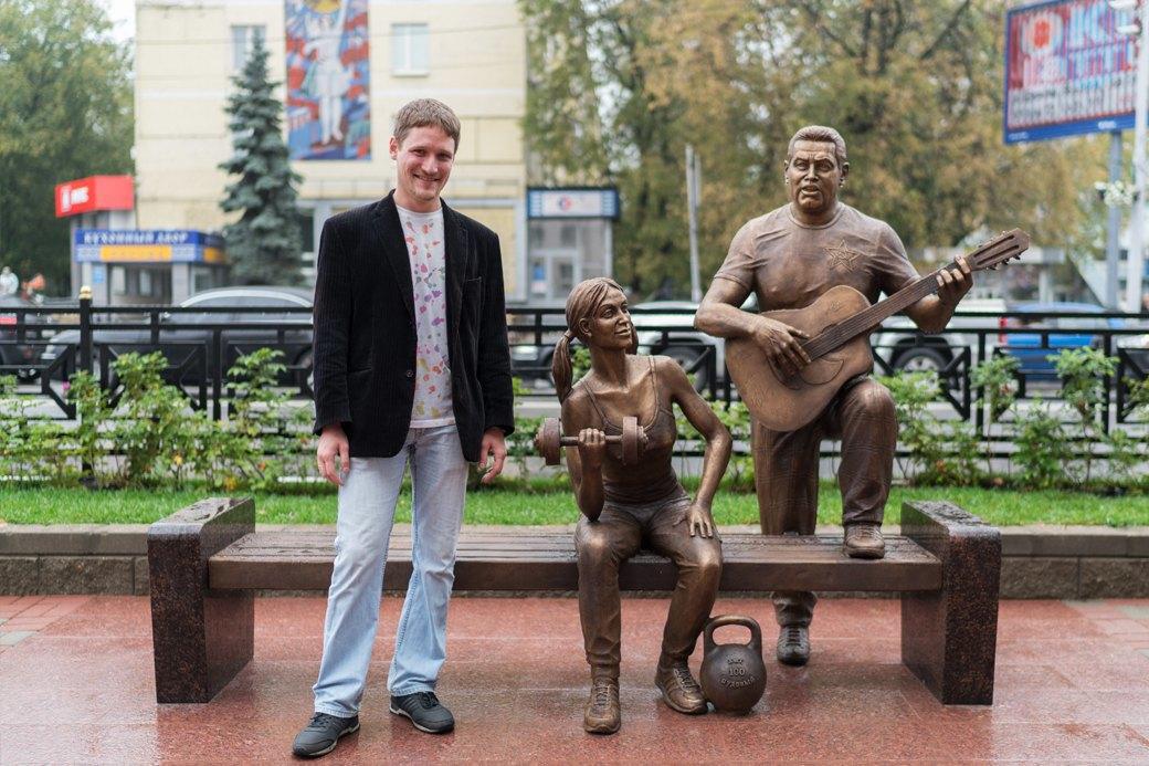 «Какая разница — Ленин или Расторгуев?»: Люберчане опамятнике группе «Любэ». Изображение № 6.