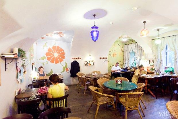 Все свои: Вегетарианское кафе наКазанской улице. Изображение № 3.