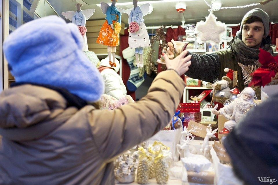 Фоторепортаж: Новогодние ярмарки в центре Москвы. Изображение № 14.