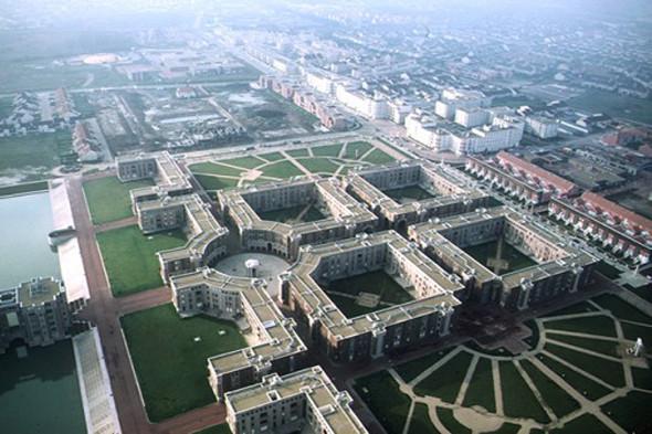 Проект Рикардо Бофилла «Озерные аркады». Был частью французского правительственного плана строительства городов-спутников Парижа. Изображение № 3.