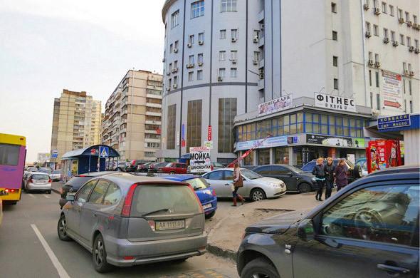 На лекциях Энрике Пеньялоса показал снимки, сделанные им во время прогулки по киевским жилмассивам. . Изображение № 19.