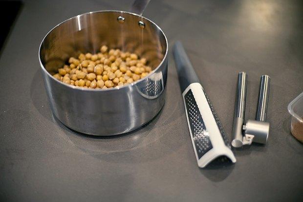 Шеф дома: Ягненок, хумус иоблепиховый десерт шефа «Стрелки». Изображение № 6.