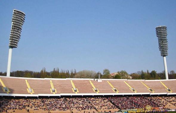 НСК «Олимпийский» до реконструкции, начавшейся в 2008 году. Изображение № 27.