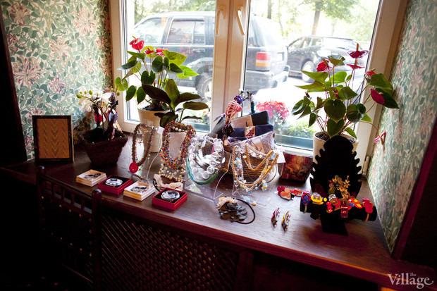 Смешной формат: Кафе при магазинах, студиях йоги исалонах красоты. Изображение № 11.