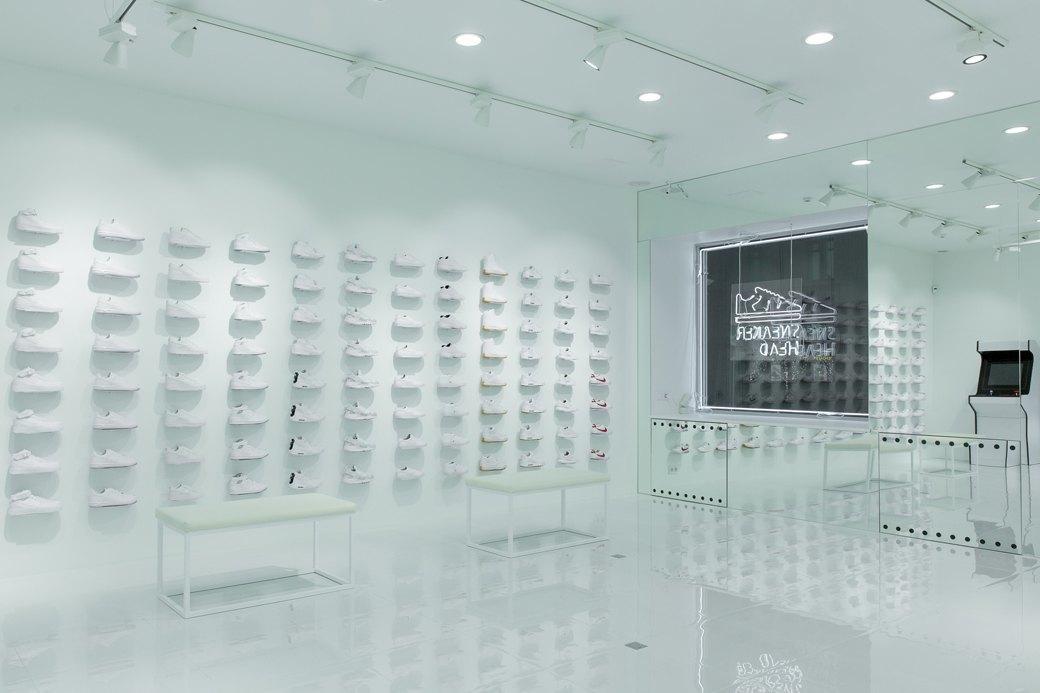 Sneaker White наПокровке. Изображение № 6.