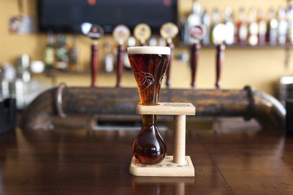 Пиво Pauwel Kwak — 270 рублей. Изображение № 13.