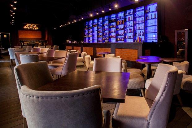 На месте бара «Заря» открылся Joys Bar. Изображение № 2.