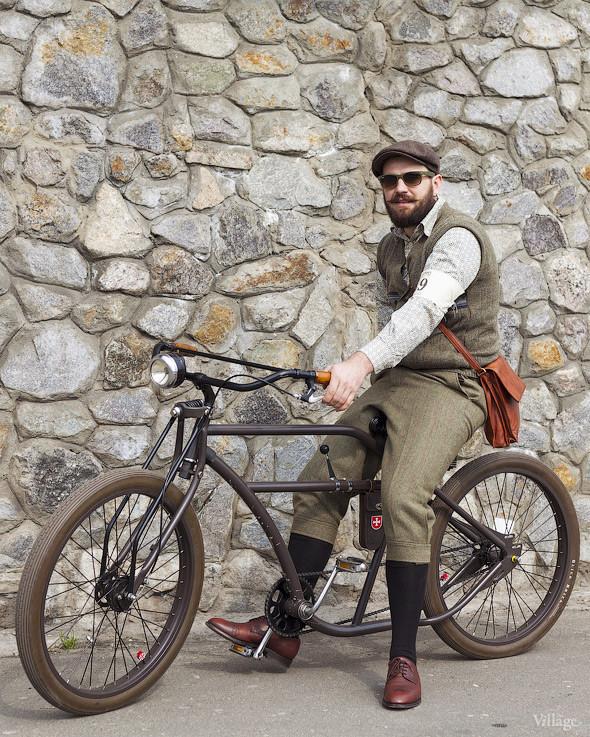 С твидом на город: Участники первого «Ретрокруиза»— о своей одежде и велосипедах. Изображение №23.