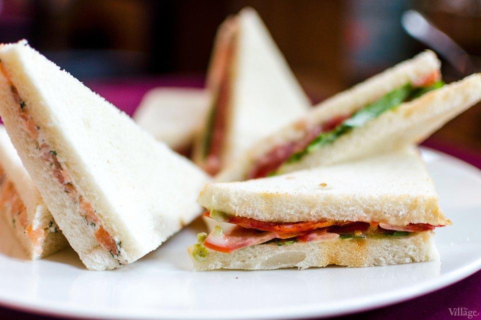 Трамеццини с копчёным лососем и сыром филадельфия — 54 грн.. Изображение № 8.