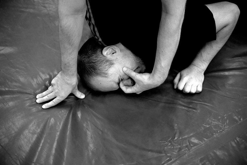 Чему учат накурсах самообороны. Изображение № 4.