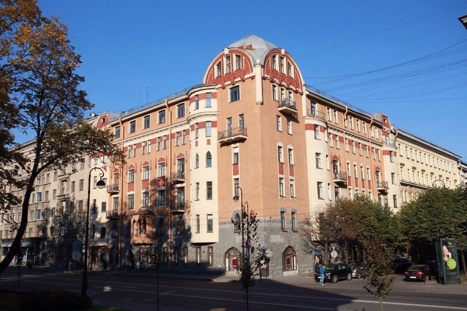 Квартира имастерская вбашне наКаменноостровском. Изображение № 2.