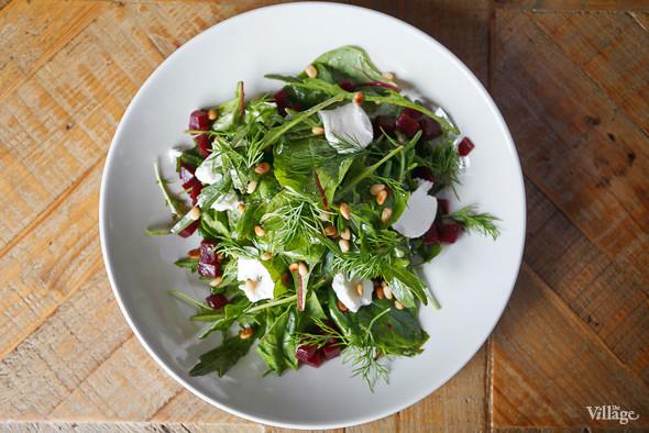 Салат с печёной свёклой и козьим сыром — 390 рублей. Изображение № 39.