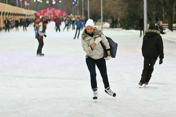 Бегущий на лезвиях: Первые посетители катка в парке Горького. Изображение № 15.
