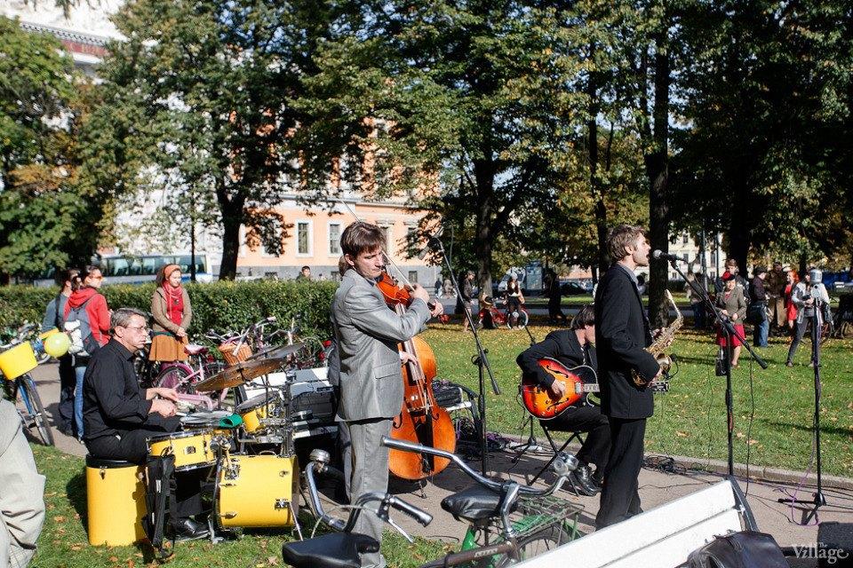 C твидом на город: участники веловояжа в Петербурге о ретро-вещах. Изображение № 21.