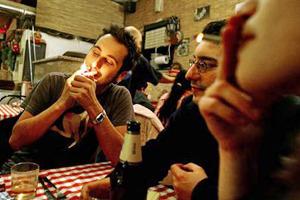 Бездымное поведение: Как рестораторы готовятся к запрету курения . Изображение № 14.