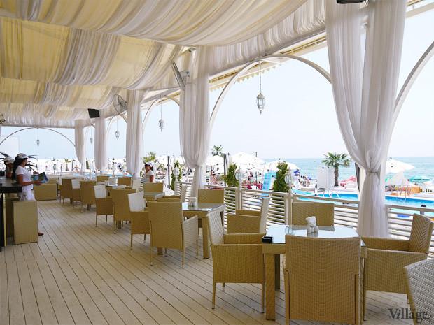 На песке: 5 пляжных клубов Одессы. Зображення № 21.