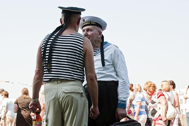 Фоторепортаж: День Военно-морского флота в Петербурге. Изображение № 25.