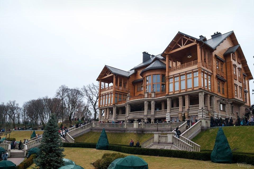 Народное движение: За чем едут в резиденцию Виктора Януковича. Изображение № 5.