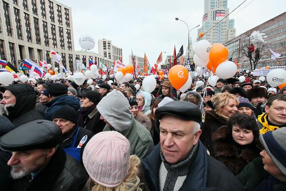 Митинг «За честные выборы» на проспекте Сахарова: Фоторепортаж, пожелания москвичей и соцопрос. Изображение № 40.