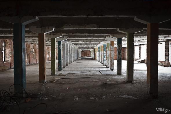 Бывший производственный цех, на территории которого разместятся арендаторы. Февраль 2011. Изображение № 9.