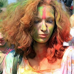Вогнали в краску: В Киеве прошёл фестиваль «Холи». Изображение № 7.