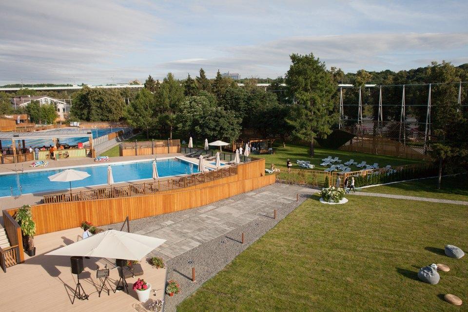 Жизнь — курорт: Пять новых открытых бассейнов вМоскве. Изображение № 33.