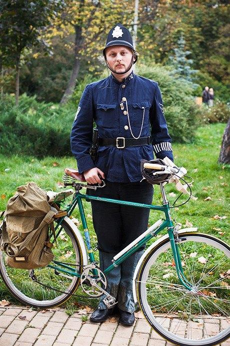 С твидом на город: Участники велопробега Tweed Ride о ретро-вещах. Изображение № 73.