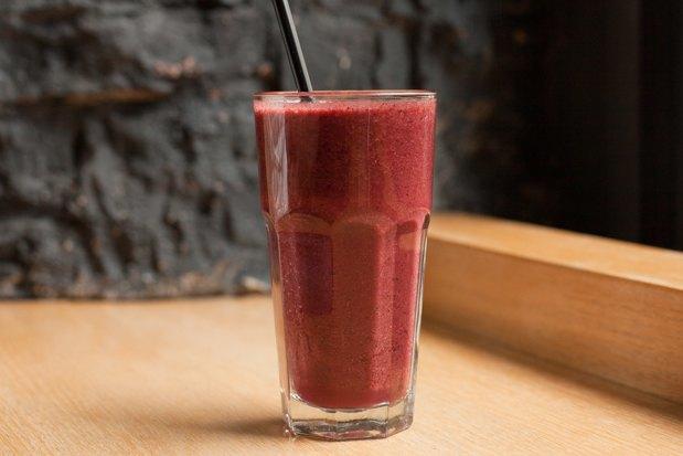 Ягодный, фруктово-овощной, ореховый исзеленью испециями — 5 смузи изFresh. Изображение № 3.