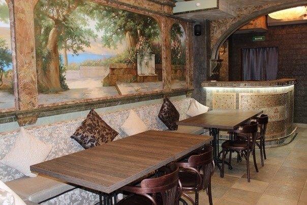 На Казанской улице открылся сыроедческий ресторан Prana Bar. Изображение № 1.