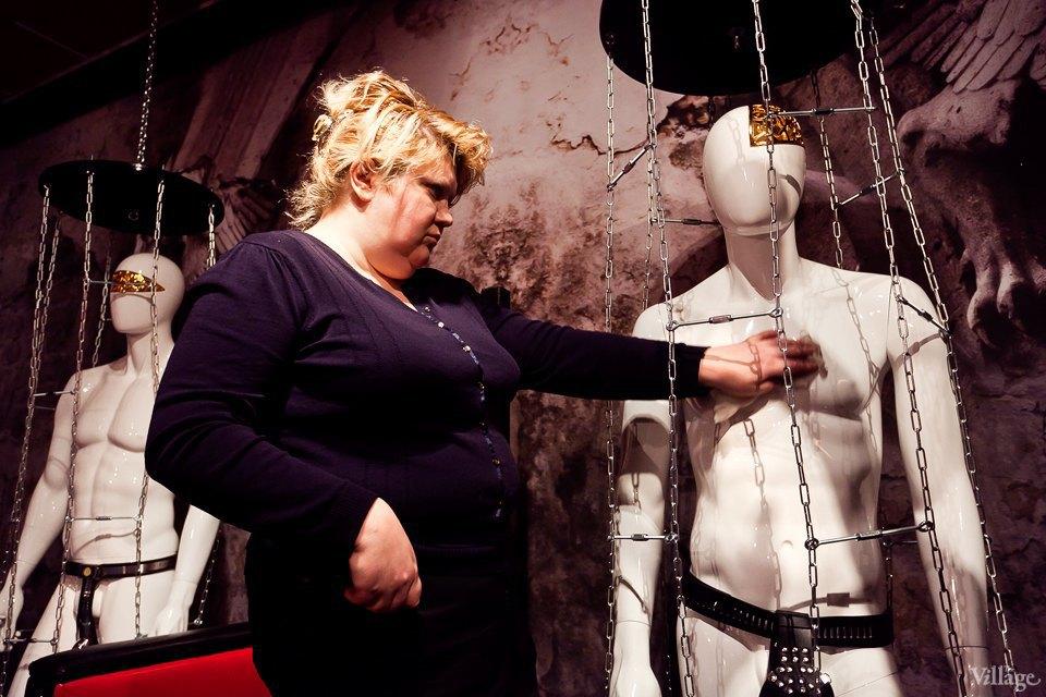 Люди в городе: Первые посетители музея эротики. Изображение № 12.