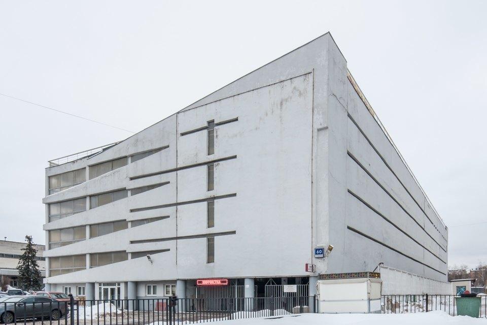 Архитектор Михаил Князев — осамых необычных автомобильных гаражах Москвы. Изображение № 11.