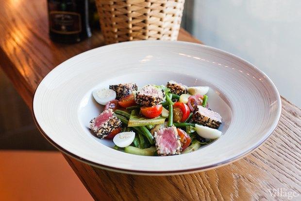 Салат с тунцом и кенийской фасолью — 390 рублей. Изображение № 24.