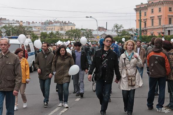 Фоторепортаж (Петербург): Митинг и шествие оппозиции в День России . Изображение № 8.