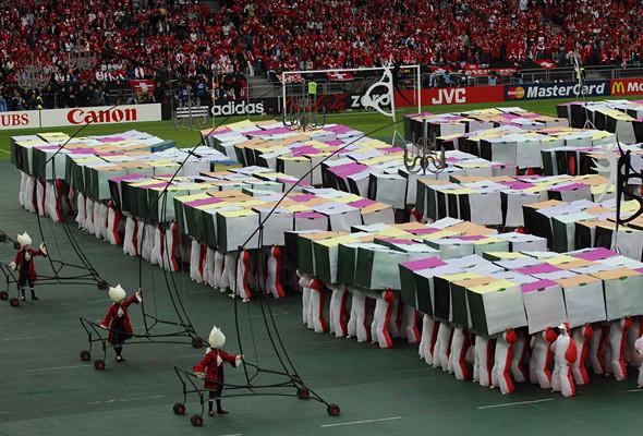 800 волонтеров примут участие в церемонии закрытия чемпионата в Киеве. Изображение № 10.