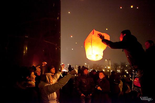 Фоторепортаж: Флешмоб с китайскими фонариками. Изображение № 17.