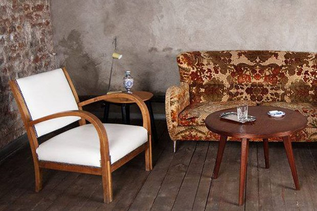 На «Красном Октябре» открывается магазин винтажной мебели Komnata. Изображение №1.