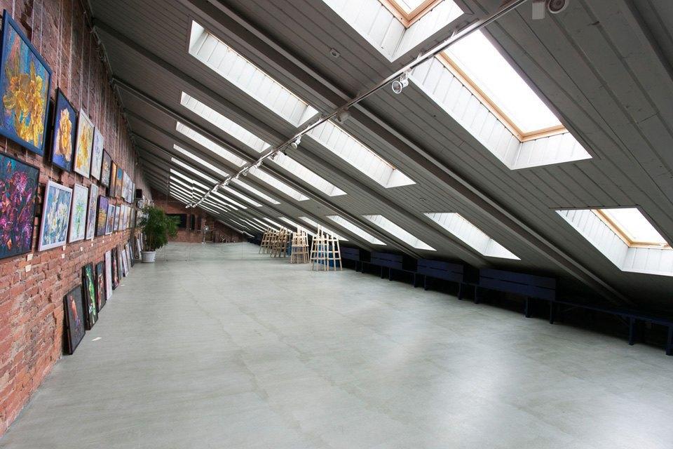 Квартира художника смансардой. Изображение № 24.