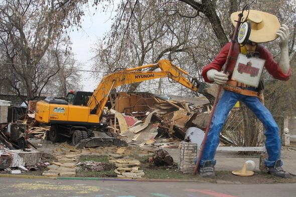 Демонтаж объектов в Парке Горького, 28 апреля 2011 года. Изображение № 16.