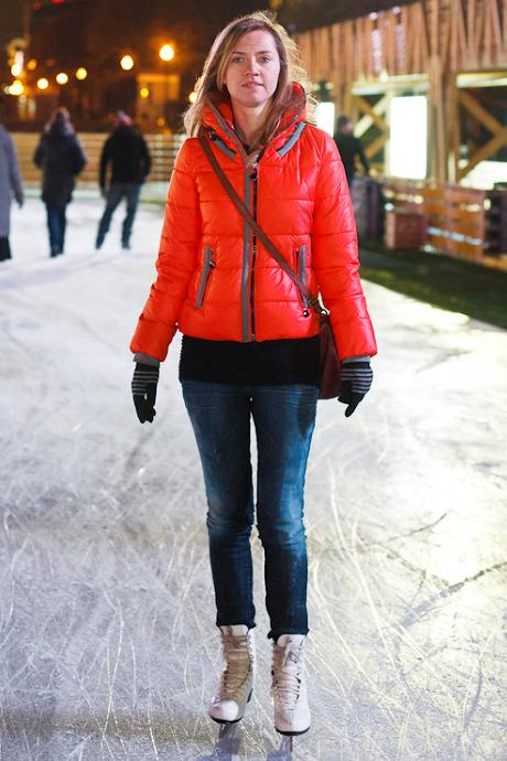 Люди в городе: Первые посетители катка в парке Горького. Изображение №36.