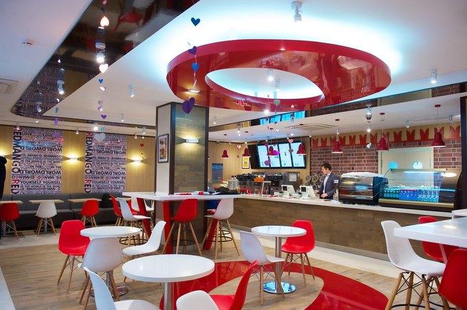 На Никольской улице открылось кафе сзамороженными йогуртами Red Mango. Изображение № 2.