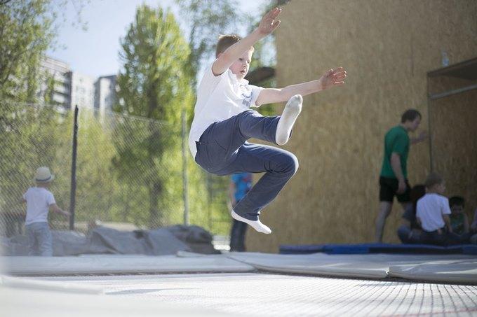 В Москве заработал батутный парк под открытым небом. Изображение № 1.