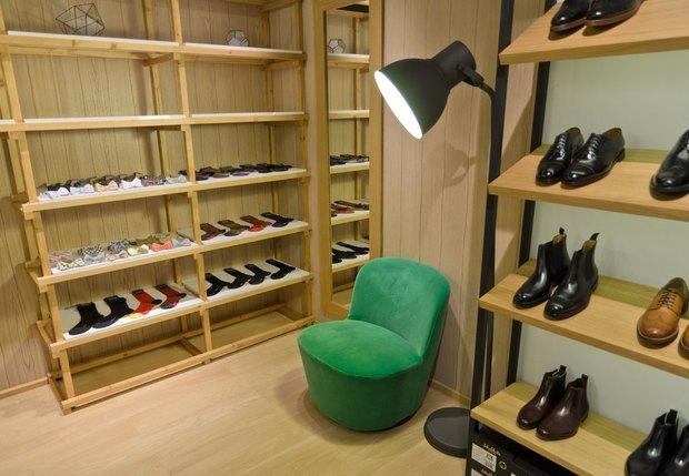 На Невском открылся магазин английской обуви . Изображение № 4.