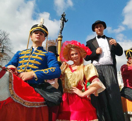 Ходулисты из уличного театра Киева Highlights. Изображение № 4.