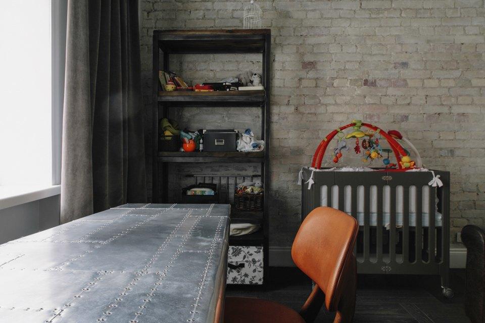 Бывшая коммуналка на Цветном бульваре с тёмными потолками. Изображение № 21.