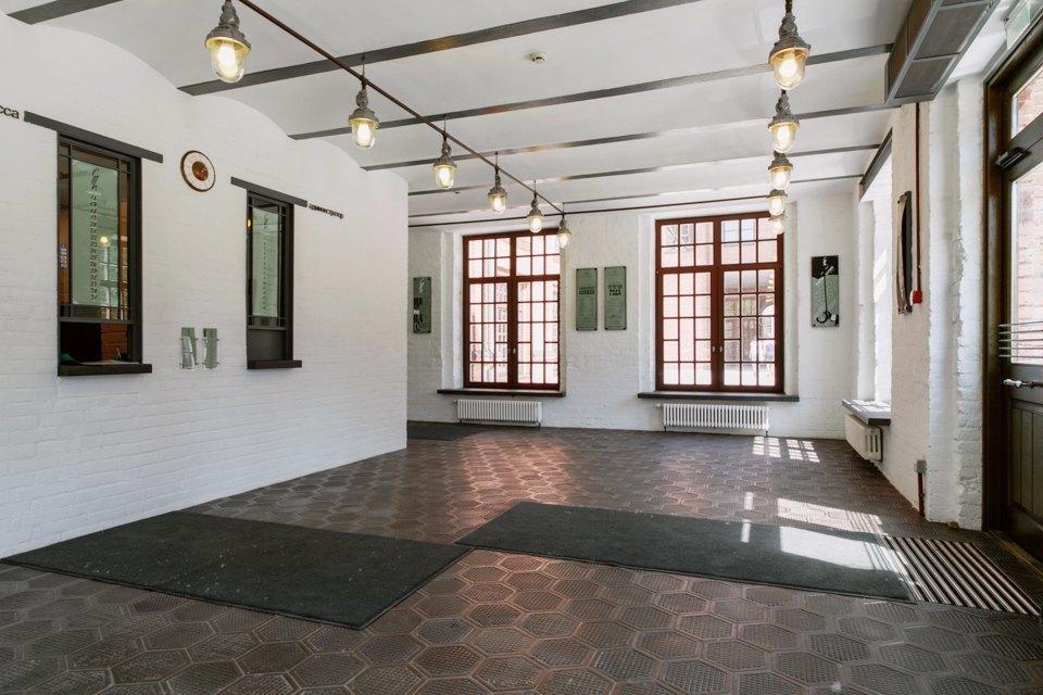 «Студия театрального искусства» вздании бывшей фабрики. Изображение № 49.