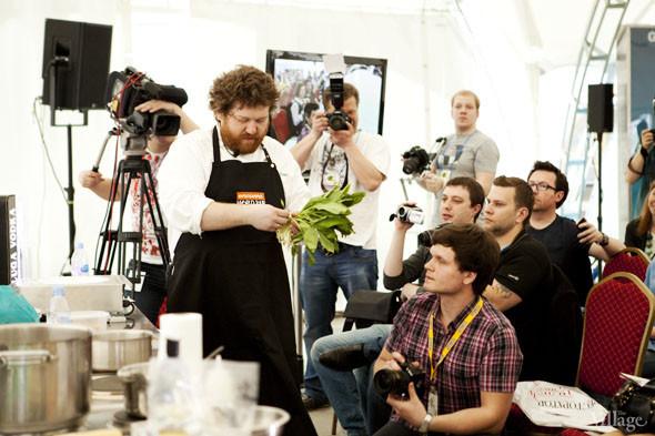 Omnivore Food Festival: Илья Шалев и Алексей Зимин готовят три блюда из редиса и черемши . Изображение № 5.