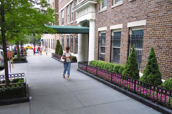 На комфорт городской среды больше влияет не этажность зданий, а организация пространства вокруг них. . Изображение № 16.