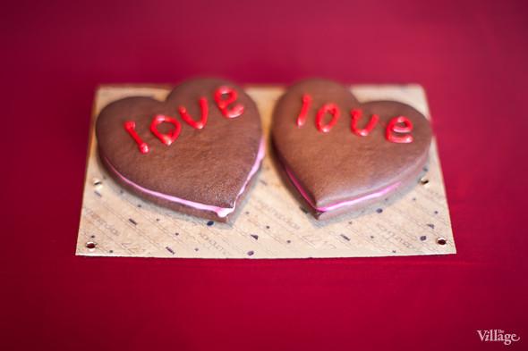 Шоколадно-клубничное печенье — 150 рублей. Изображение № 26.